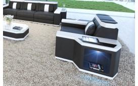 Poltrona di design CESARO con illuminazione a LED