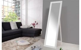 Specchio di design AILLSA WHITE